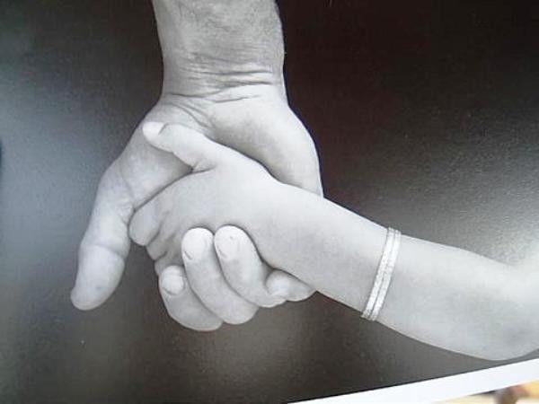 Les mains - Page 2 5260ec63